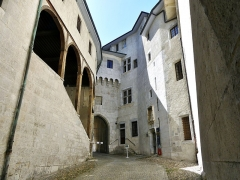Château des Ducs de Savoie - English: Sight of the Porterie passage and entrance into the city of Chambéry medieval castle, in Savoie, France.