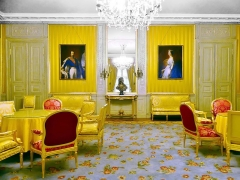 Château des Ducs de Savoie - English: Sight of paintings of Napoléon III and Impératrice Eugénie, in the salon jaune ('yellow room') of the Aile Midi building, Chambéry castle, in Savoie, France.