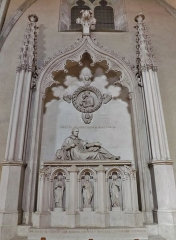 Eglise de Lemenc - English: Sight of the general Benoît de Boigne sculpture grave, in the Saint-Pierre de Lémenc church, on the heights of Chambéry, Savoie, France.
