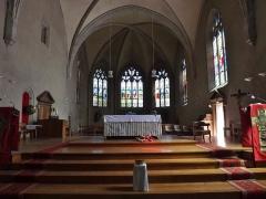 Eglise de Lemenc - English: Sight of the altar and choir inside the église Saint-Pierre de Lémenc church, on the heights of Chambéry, Savoie, France.