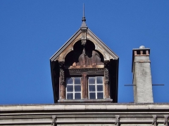 Immeuble - English: Sight of the central skilight of the Hôtel Dieulefis building, in Chambéry, Savoie, France.