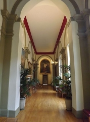 Palais de Justice - English: Sight of the corridor leading to the salons Napoléon at the first floor of the city of Chambéry courthouse, in Savoie, France.