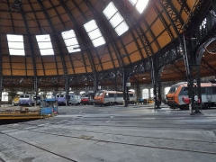 Remise ferroviaire dite rotonde SNCF - English: Inside sight of the city of Chambéry railway rotunda, in Savoie, France.