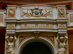 Théâtre municipal - English: Sight of the royal balcony over the entrance into the great room of the Chambéry theater, in Savoie, France.