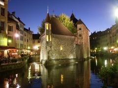 Palais de l'Isle - Deutsch: Das Palais de I'Isle ist eines der berühmtesten Gebäude in Annecy, Frankreich, Obersavoyen.