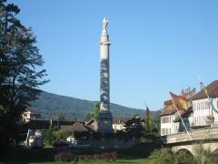 Colonne de Charles Félix - Français:   Colonne Charles Félix, Bonneville - 44 mètres de haut, construite en 1826 en hommage au Roi de Sardaigne qui a soutenu l\'endiguement de l\'Arve