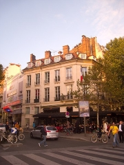 Immeuble - English: Building, 14 place de la Bastille and 2, 4 boulevard Richard-Lenoir, Paris XIe arrondissement, France.