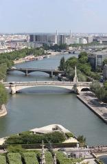 Mémorial des martyrs de la Déportation -  Another city of bridges