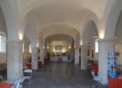Ancienne église Saint-Jacques (San Giacomo, Ghjacumu) - Français:   Interieur de l\'église Saint-Jacques de Bonifacio, Corse.  (Inscrit, 1994)