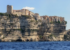 Escalier du roi d'Aragon - English: The King of Aragon staircase, carved into the cliffs of Bonifacio, Corsica, France.
