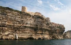 Escalier du roi d'Aragon - Français:   Bonifacio  (Corse-du-Sud, France) les falaises et l\'Escalier du roi d\'Aragon.