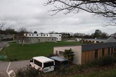 Ancienne redoute des Couplets - Français:   Ancienne redoute des Couplets, a présent centre de loisirs