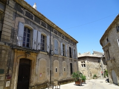 Hôtel de Bimard -  Saint-Paul-Trois-Châteaux (Drome, France), Bimard mansion, is worth more for its courtyards than for its facade but it is a private property.