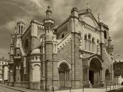 Eglise Sainte-Marie - De style néo-byzantin, l'église Sainte-Marie est située rue Elise Gervais à Saint-Etienne, chef-lieu du département de la Loire