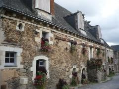 Ancien couvent bénédictin Notre-Dame - Français:   Nyoiseau - Abbaye - grande salle et logement de l\'économe