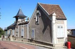 Maison de Maurice Ravel, actuellement musée - Français:   Maison de Maurice Ravel à Montfort-l\'Amaury en France.
