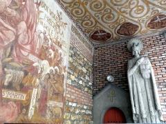 Eglise Saint-Louis de Vincennes - English: Fesco and statue of Saint Louis, located in the main entrance of the Saint-Louis church of Vincennes.