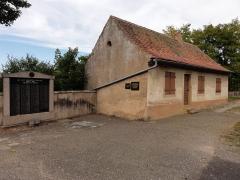 Cimetière juif -  Alsace, Bas-Rhin, Rosenwiller, Cimetière juif (PA00135148, IA00075623): Maison des Morts.