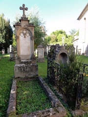 Ancien cimetière bourgeois - This object is indexed in the base Palissy, database of the French furniture patrimony of the French ministry of culture,under the referenceIM67013357.