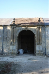 Ancien château de Mont-de-Jeux - This building is indexed in the Base Mérimée, a database of architectural heritage maintained by the French Ministry of Culture,under the reference PA00135302 .
