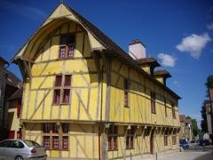 Maison dite du Dauphin - Français:   Maison dite du Dauphin, à Troyes (Aube, France)