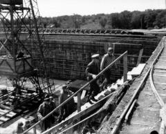 Rampe de lancement de V1 de Brécourt -  Eisenhower visitant la rampe de lancement de V1 de Brécourt, près de Cherbourg