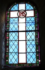 Eglise Saint-Christophe - Vitrail sud du chœur de l'église Saint-Christophe de Vindelle, Charente, France.
