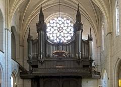 Ancien prieuré de la Daurade - English:  Gallery organ, by Prosper-Antoine Moitessier (organbuilder) 1849, Church Notre-Dame de la Dalbade in Toulouse.
