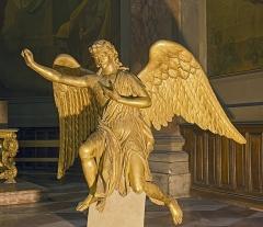 Ancien prieuré de la Daurade - English:  Basilica of Notre-Dame de la Daurade in Toulouse. Angel statue, in gilded wood, by Jean-Louis Ajon, 1812. Size: 189 x 195 cm.