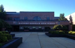 Eglise Saint-Pierre - English: Image of the front of the Hatboro-Horsham Highschool Building