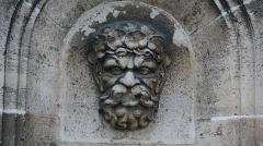 Hôtel de ville - Français:   Photographie représentant une fontaine intégrée au mur extérieur de l\'Hôtel de Ville de Soissons.