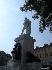 Monument à Garibaldi - This building is indexed in the Base Mérimée, a database of architectural heritage maintained by the French Ministry of Culture, under the reference PA06000033 .