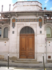 Anciens bains-douches - English: Former bath and shower house in Carcassonne, France
