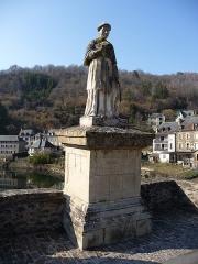 Pont dit d'Estaing (également sur commune de Sébrazac) - Català: Estàtua de François d'Estanh al pont d'Estanh sobre l'Òlt