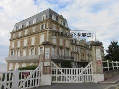 Ancien Hôtel des Roches Noires - Français:   Hôtel des Roches Noires (Inscrit Classé)