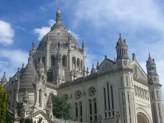 Basilique Sainte-Thérèse - Français:   Basilique Sainte-Thérèse de Lisieux, en France.