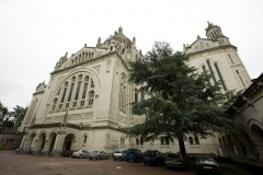 Basilique Sainte-Thérèse - This building is inscrit au titre des monuments historiques de la France. It is indexed in the base Mérimée, a database of architectural heritage maintained by the French Ministry of Culture,under the reference PA14000094 .