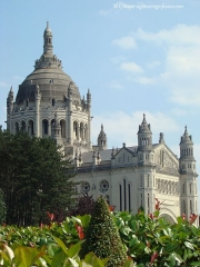 Basilique Sainte-Thérèse - Français:   Basilique Sainte-Thérèse de Lisieux (Lisieux, Calvados)