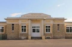 Groupe scolaire Jean-Jaurès et mairie annexe de Canon - Français:   Groupe scolaire Jean-Jaurès à Mézidon-Canon (Calvados)
