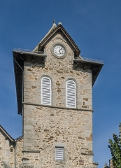 Eglise Notre-Dame de la Purification - English: Bell tower of the church of Our Lady of the Purification of Cassaniouze, Cantal, France