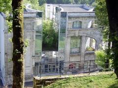 Ancienne abbaye Saint-Cybard - Français:   CNBDI vu depuis l\'avenue de Cognac (ancien emplacement de l\'abbaye de Saint-Cybard), Angoulême, France