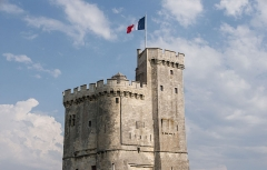Slip way - English: The top of the Tour Saint-Nicolas in La Rochelle, Charente-Maritime, France