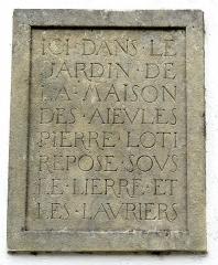 Maison des aïeules de Pierre Loti - English: Saint Pierre d'Oleron ( Ile d'Oleron). Maison des aïeules de Pierre Loti - Inscription.