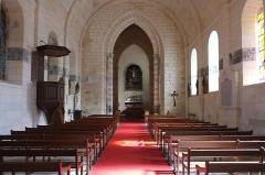 Eglise Saint-Pierre - Français:   Nef de l\'église Saint-Pierre, Soubise, Charente-Maritime, France. La nef est ornée d\'une litre funéraire aux armes de Rohan.