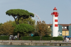 Phares d'alignement - English: Front range light in La Rochelle, Charente-Maritime, France.