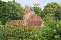 Château du Creuzet - English: Castle of Le Creuzet (14th century)
