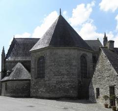 Château de Trégarantec - Église Notre-Dame de Délivrance du Quillio (22). Chevet et sacristie.