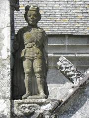 Château de Trégarantec - Église Notre-Dame de Délivrance du Quillio (22). Porche sud. Statue de Saint-Maurice