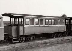 Ancienne gare ferroviaire départementale - English: Côtes du Nord - Voiture n° B 153 en gare - SAINT-BRIEUC CENTRALE (22)
