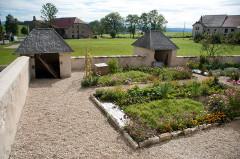 Presbytère de Remoray - Français:   Remoray-Boujeons (Doubs, France) - Presbytère, jardin